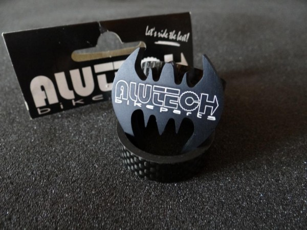 """Alutech Cable Hanger """"The Bat"""""""