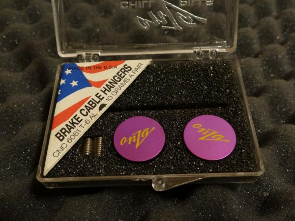 """Onza Chill Pills Cable Hanger """"Purple"""""""